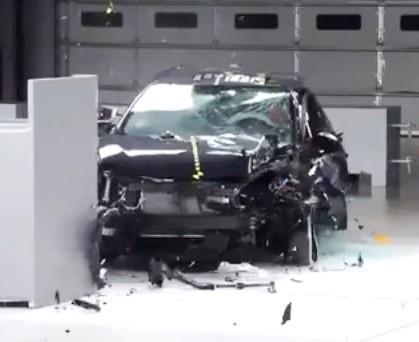 Краш-тест Toyota Corolla 2014