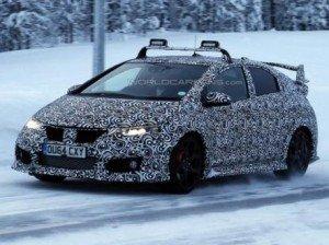 Honda Civic проходит дорожные испытания