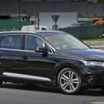«Заряженную» Audi SQ7 заметили на тестах без камуфляжа