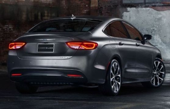 Седан Chrysler 200 2015