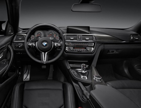 купе BMW M4 2015 года