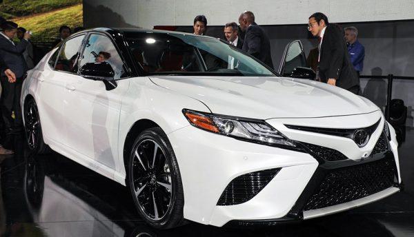 Тойота Камри 2017–2018