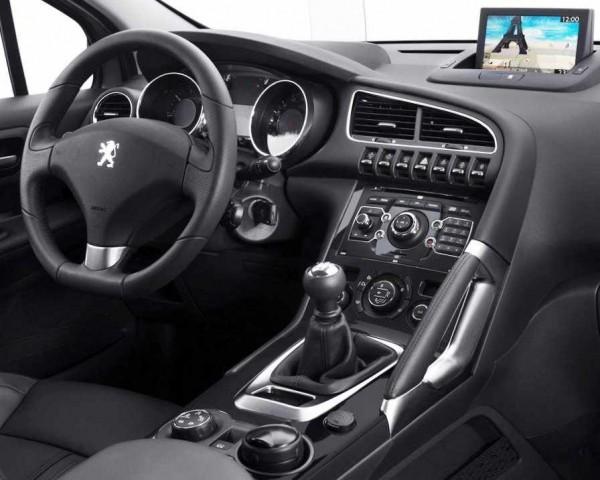 Peugeot 3008 фото салона